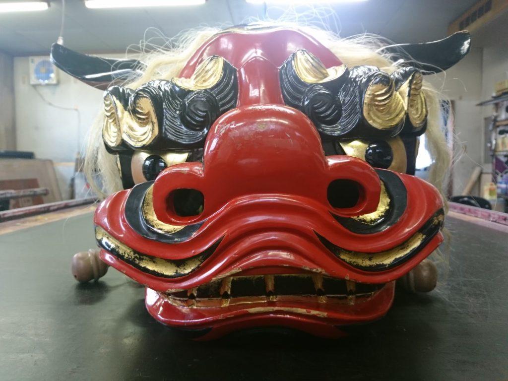 修理前の獅子頭の正面からの画像
