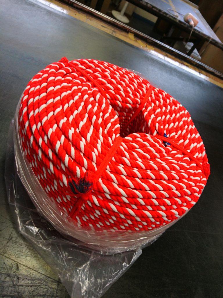 綿の紅白ロープの画像